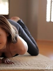 A Yoga Session Turns Into Raunchy Masturbation When Brunette Babe Jayden Taylors Cant Keep Her Hands