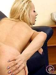 Beautiful blonde slut shows the best of her